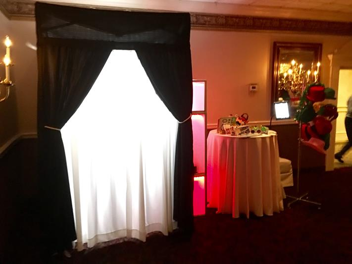 Enclosed photo booth in New Jersey